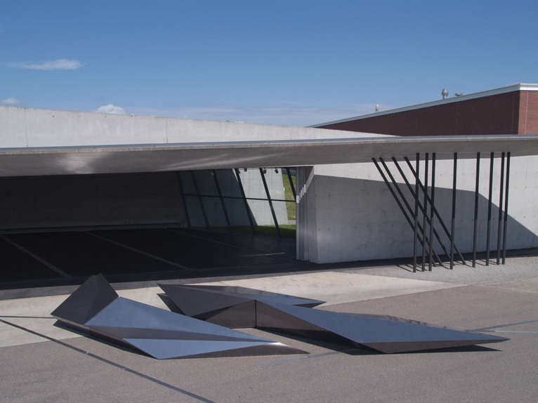 Prima the new installation by zaha hadid for swaroski - Zaha hadid installation ...