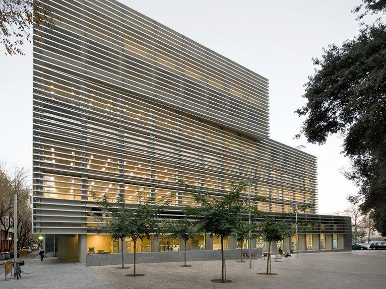 Barcelona social security offices by bcq arquitectura - Oficina seguridad social barcelona ...