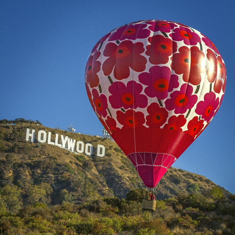 Marimekko s unikko hot air balloons for Balloon decoration los angeles