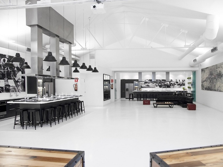 Cuisine and architecture merge into the kitchen club - Kitchen design school ...