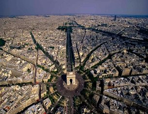 The non-linear chronology of architecture spotting in Paris
