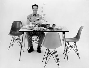 Iconic Designs: the Eames Plastic Chairs