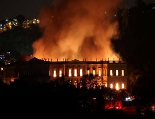 Massive fire destroys Brazil's historic National Museum